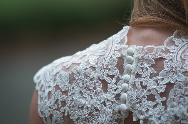 Choisir une robe de mariée en ligne